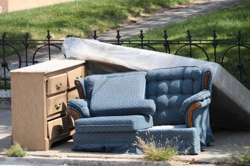 sgombero divani materassi img